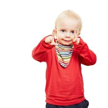 06ea6c60f2dca7 Das richtige Dreieckstuch für Babys › Babyhelferlein.de